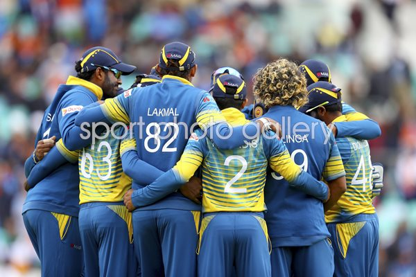 Sri Lanka Huddle v India Champions Trophy 2017