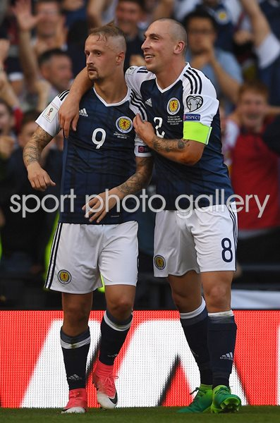 Leigh Griffiths Scotland scores v England Hampden Park 2017