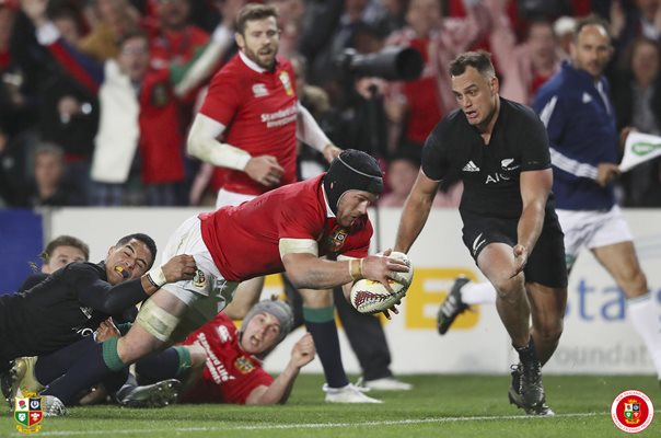 Sean O'Brien scores British & Irish Lions Greatest Try 2017