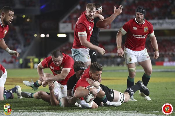 Rhys Webb British & Irish Lions scores 1st Test Auckland 2017