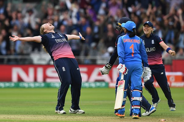 Anya Shrubsole England Winning Wicket World Cup Final 2017