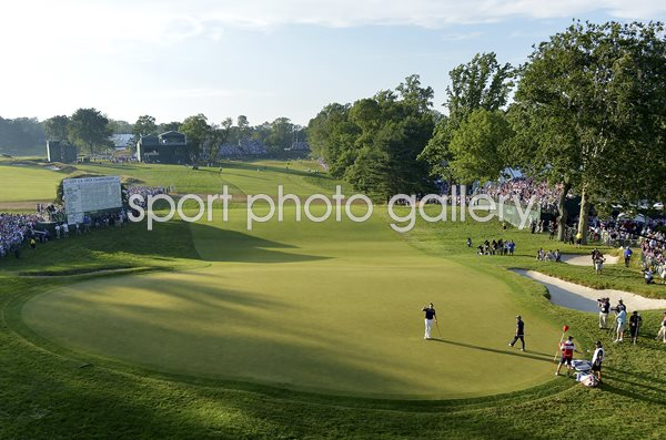 Merion Golf Club 18th Green Justin Rose wins 2013 US Open