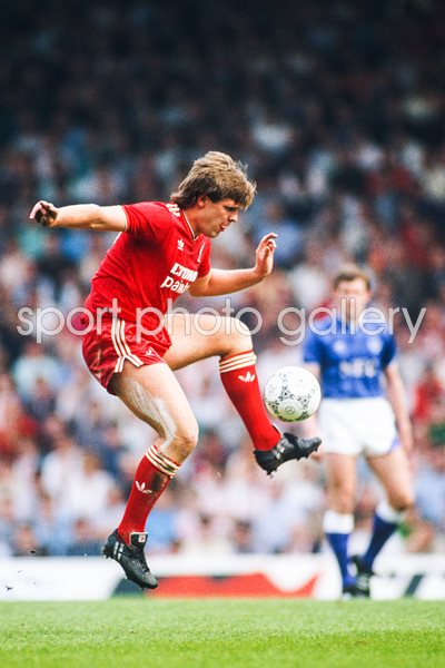 Jan Molby Liverpool v Everton Anfield 1987