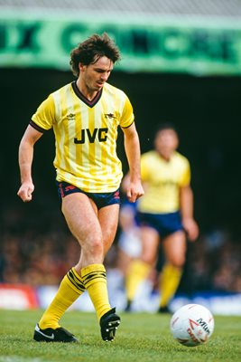 Charlie Nicholas Arsenal v Leicester City Division One 1984