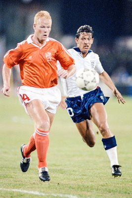 Gary Lineker England v Ronald Koeman Holland World Cup 1990