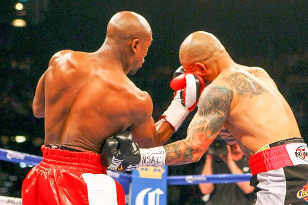 Floyd Mayweather Jr. connects with Miguel Cotto 2012