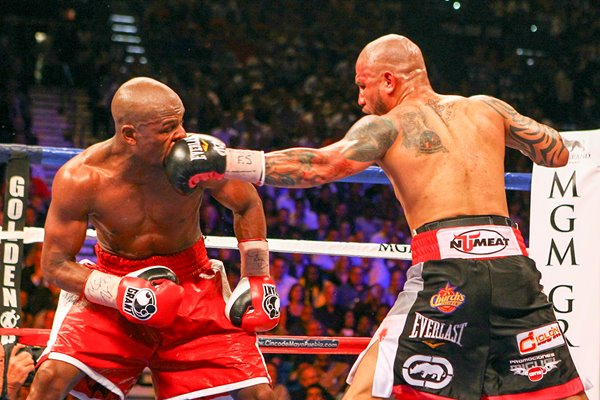 Miguel Cotto jab v Floyd Mayweather Jr. 2012