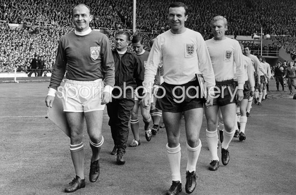 Jimmy Armfield & Alfredo Di Stefano England v Rest of World