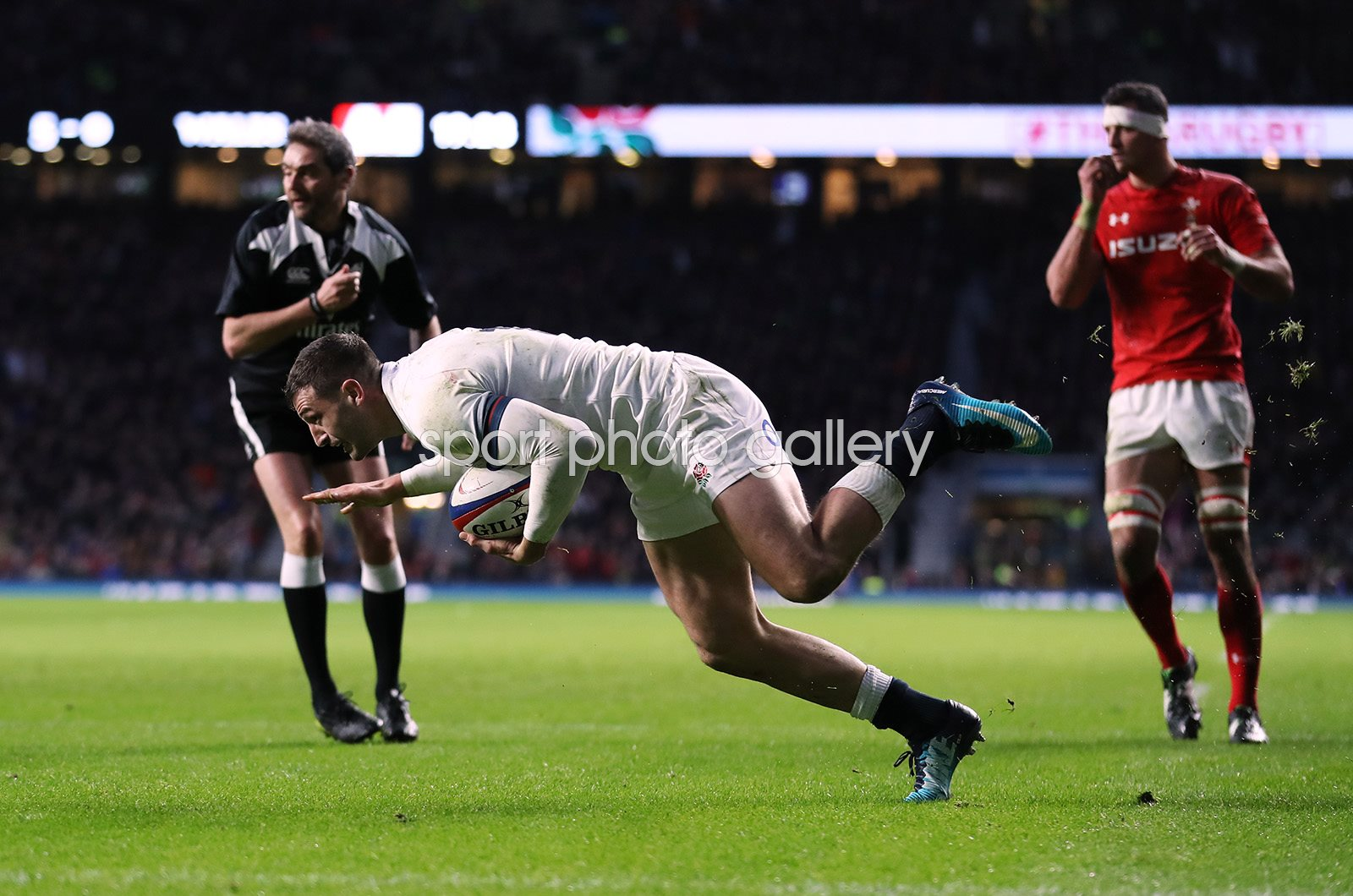 Jonny May England scores v Wales Twickenham Six Nations 2018