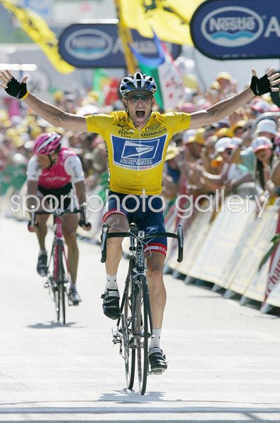 Lance Armstrong USA wins Stage 17 Tour De France 2004
