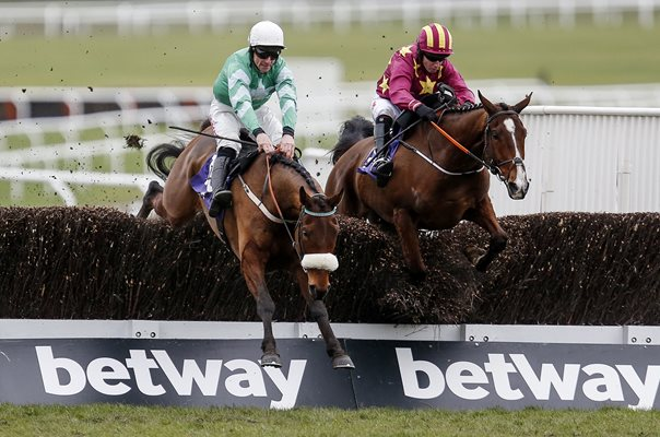 Davy Russell Presenting Percy Novices Steeple Chase Cheltenham 2018