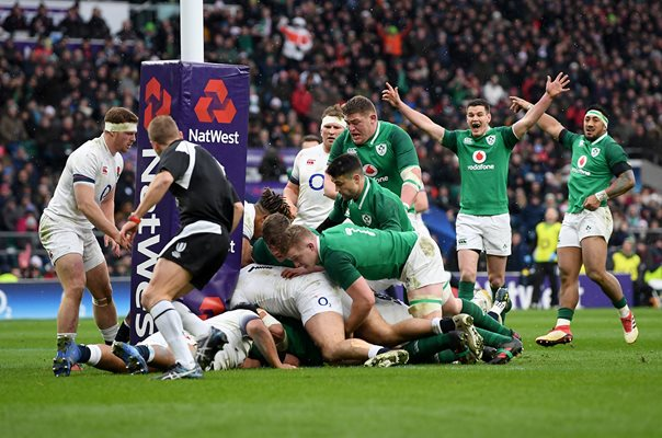 CJ Stander Ireland scores v England 6 Nations Twickenham 2018