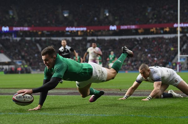 Jacob Stockdale Ireland scores v England 6 Nations Twickenham 2018