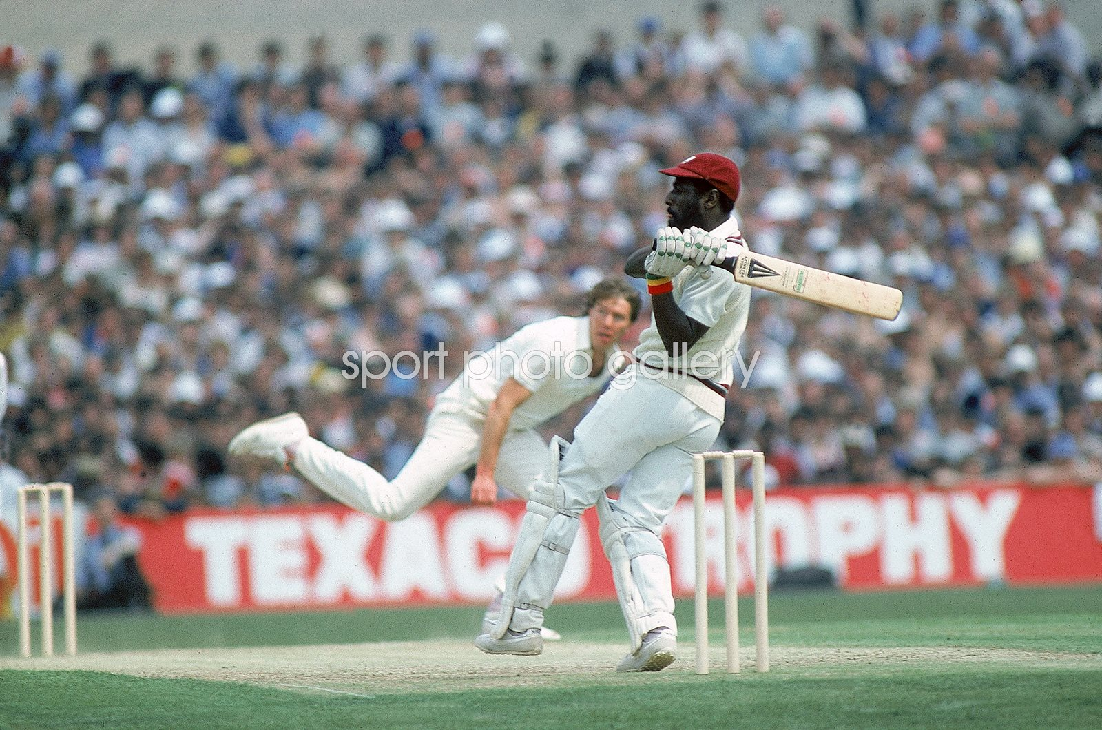 Viv Richard West Indies hooks Derek Pringle England 1984