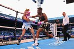 Nicola Adams v Soledad Del Valle Frais Elland Road 2018 Mounts