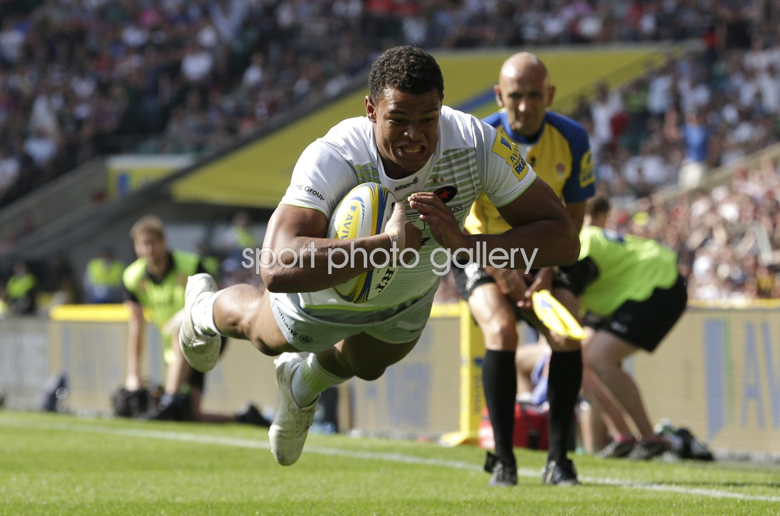 Nathan Earle Saracens scores v Exeter Chiefs Premiership Final 2018