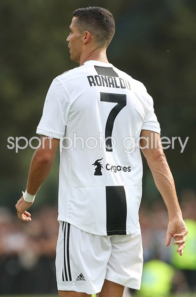 online store 4ae4b f8806 Cristiano Ronaldo Juventus 2018