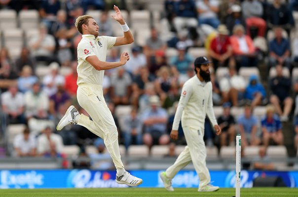 Stuart Broad England Bowls v India 4th Test Ageas Bowl 2018
