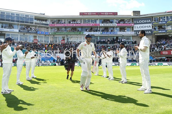 Alastair Cook Guard of Honour England v India Oval 2018
