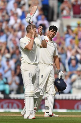 Joe Root celebrates Alastair Cook Century Oval 2018
