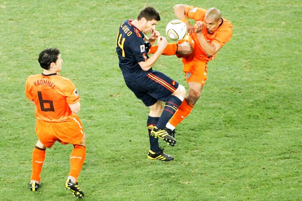 2010 World Cup Final - De Jong tackles Alonso