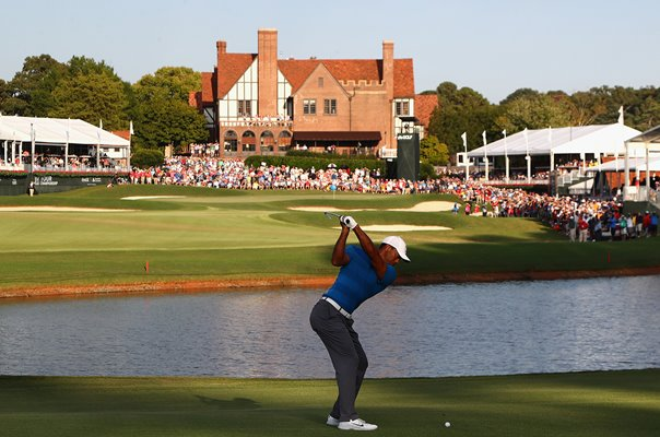 Tiger Woods TOUR Championship 18th Hole East Lake 2018