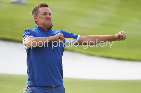 Ian Poulter Europe beats Dustin Johnson Singles Ryder Cup 2018