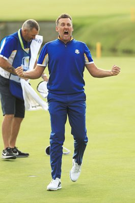 Ian Poulter celebration Day 3 2018 Ryder Cup
