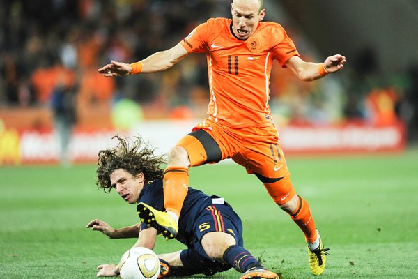 2010 World Cup Final - Puyol tackles Robben