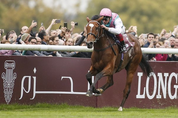 Frankie Dettori riding Enable win The Prix de l'Arc de Triomphe 2017