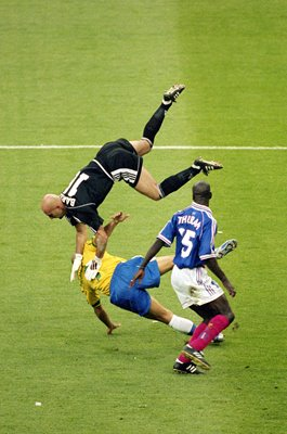 Fabien Barthez France v Ronaldo Brazil World Cup Final 1998