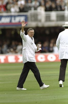 Dickie Bird legendary umpire retires Lords 1996