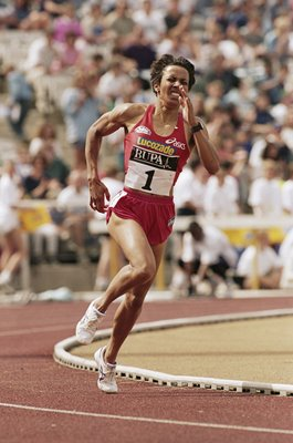 Kelly Holmes Great Britain 1000m Don Valley Sheffield 1995