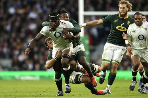 Maro Itoje England charge v South Africa Twickenham 2018
