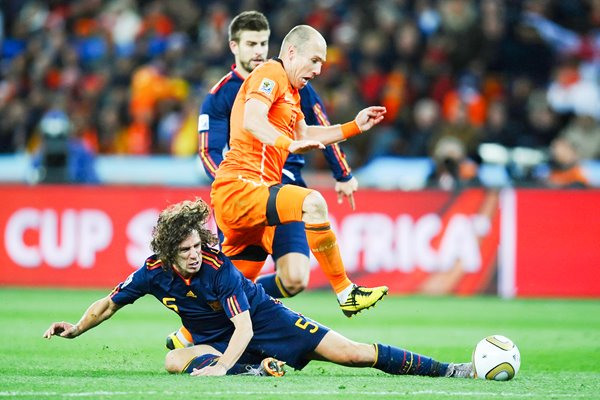 2010 World Cup Final- Puyol tackles Robben
