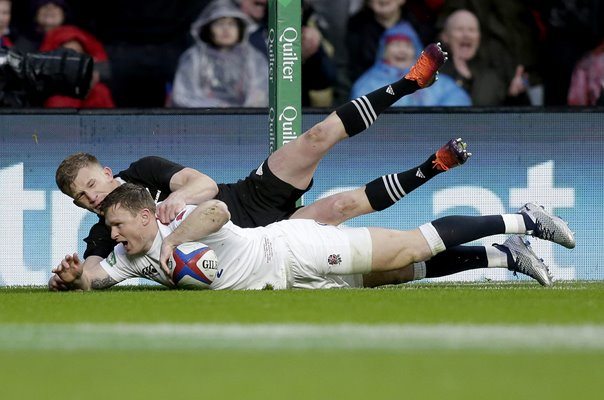 Chris Ashton England scores v New Zealand Twickenham 2018