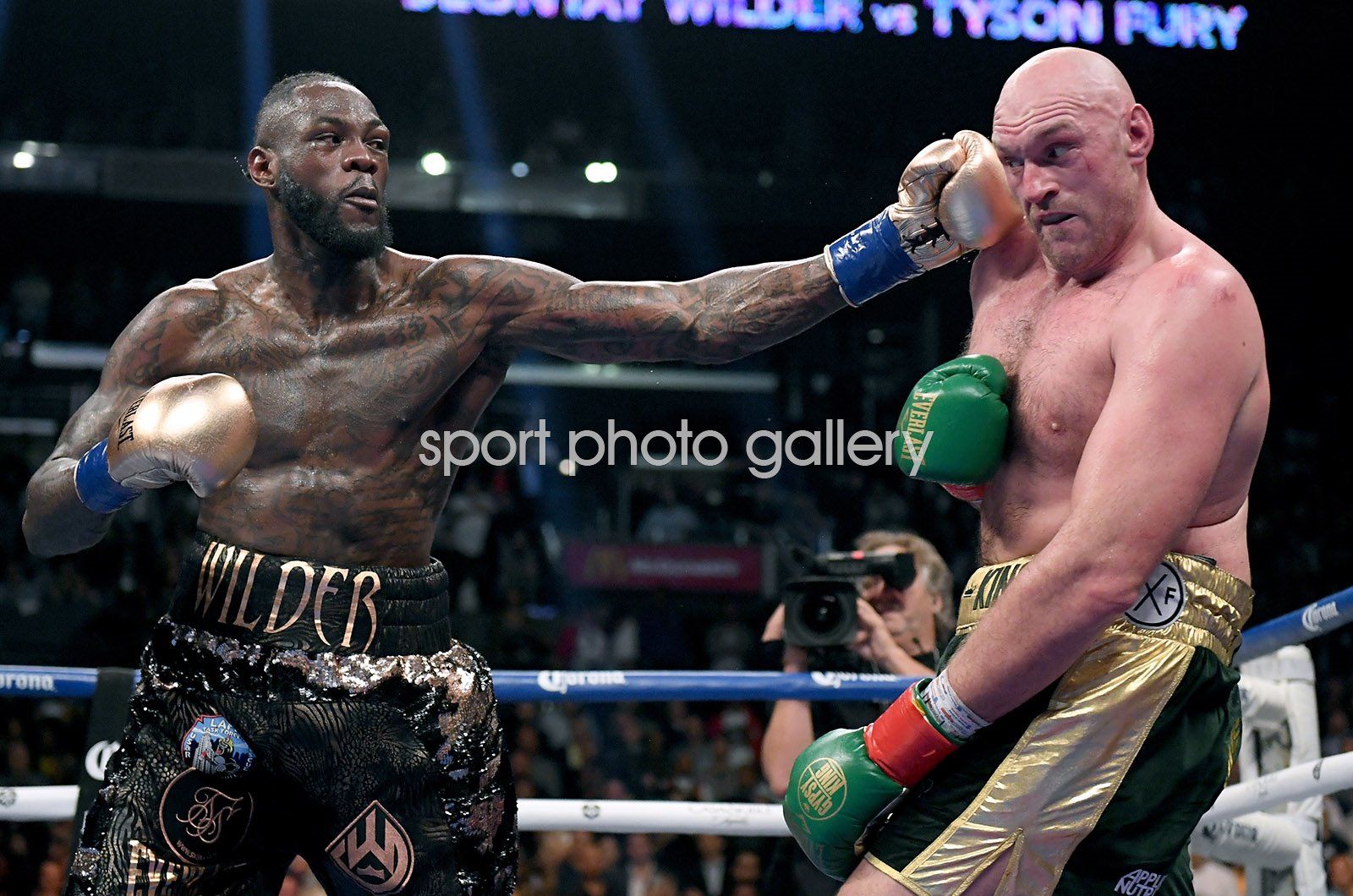Deontay Wilder v Tyson Fury fight Los Angeles 2018