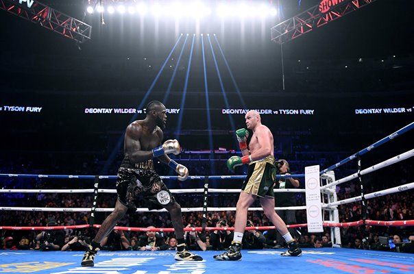 Deontay Wilder v Tyson Fury Los Angeles California 2018