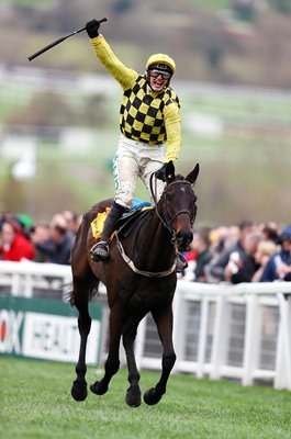 Paul Townend & Al Boum Photo win Cheltenham Gold Cup 2019