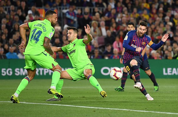 Lionel Messi Posters, Prints & Canvas 2019 | Sport Photo Gallery