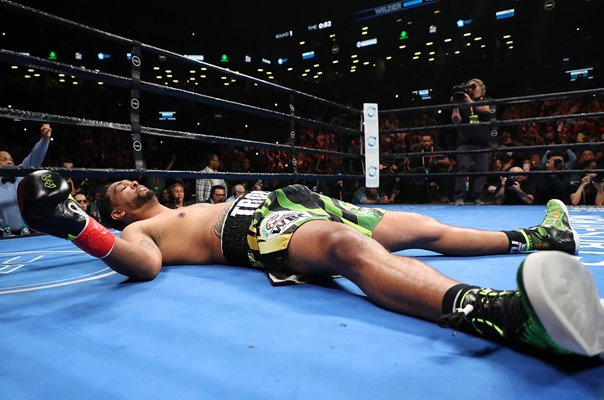 Deontay Wilder knocks out Dominic Breazeale New York 2019