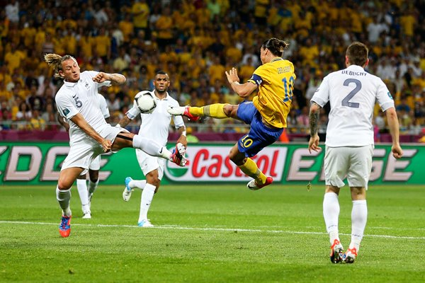 Zlatan Ibrahimovic of Sweden scores v France