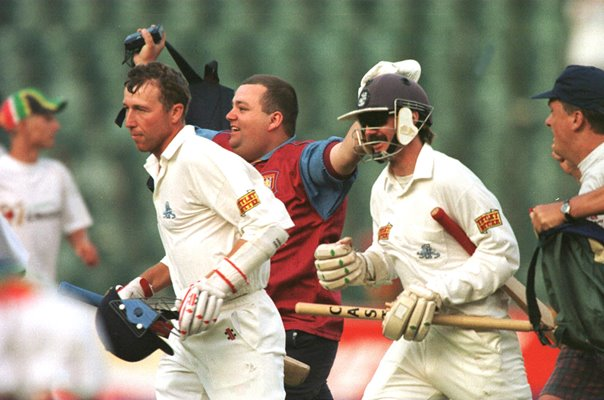 Mike Atherton & Jack Russell England Johannesburg Test 1995