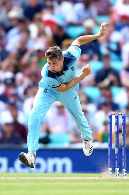 Chris Woakes England bowls v South Africa World Cup 2019