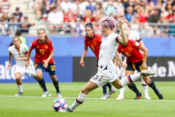 Megan Rapinoe USA scores v Spain Last 16 World Cup 2019