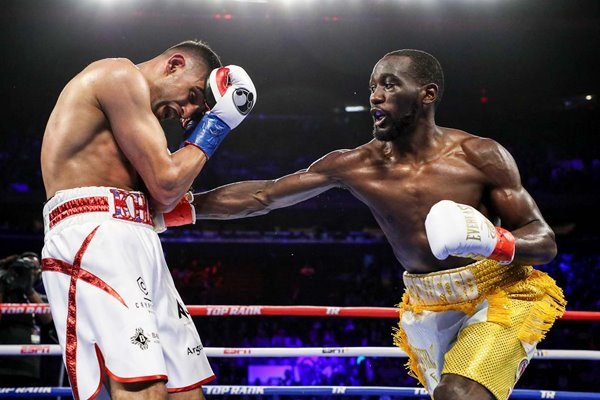 Terence Crawford beats Amir Khan Madison Square Garden 2019
