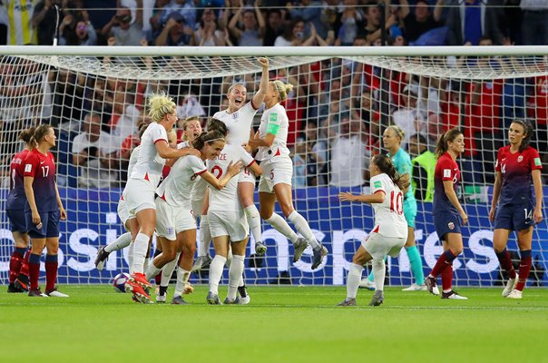 Lucy Bronze England scores v Norway World Cup 2019