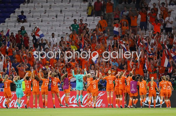 Netherlands Players & Fans celebrate Semi Final win World Cup 2019