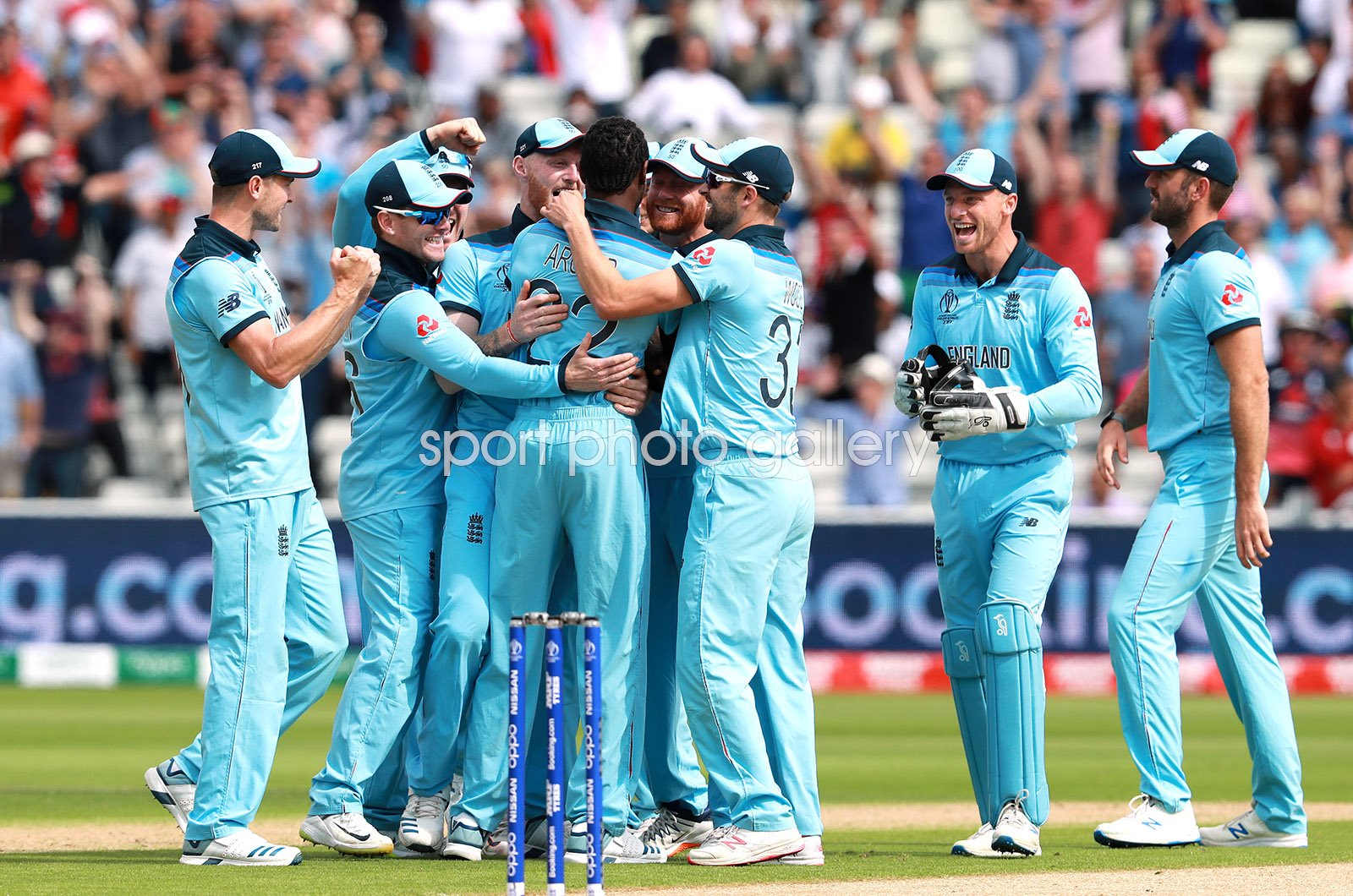 Jofra Archer & England team celebrate v Australia Semi-Final 2019