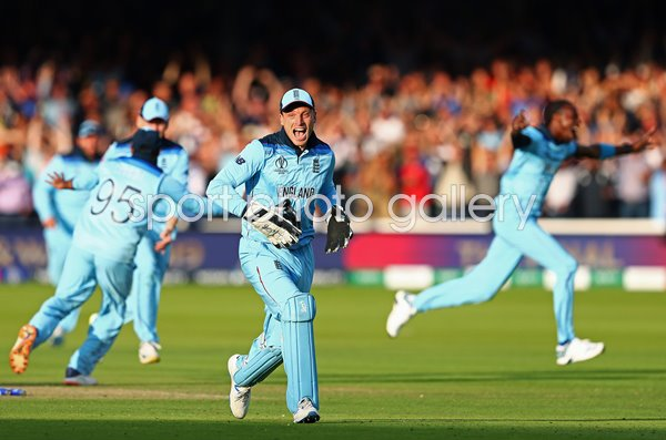 Jos Buttler England runs out Guptill to win World Cup Lord's 2019